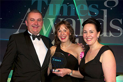 Tracy Earley (centre) Nurse of the Year 2011 being presented with her Award by the Nursing Times and sponsors The Huntercombe Group